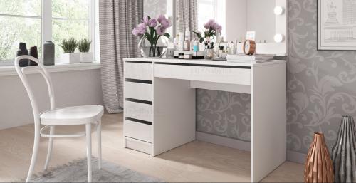Toaletní stolek ADRI bílá lesk