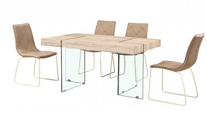 Stoly a židle